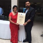 dr-nayana-patel-being-felicitated-by-dr-gd-singh-on-the-ocassion-of-womens-day-2