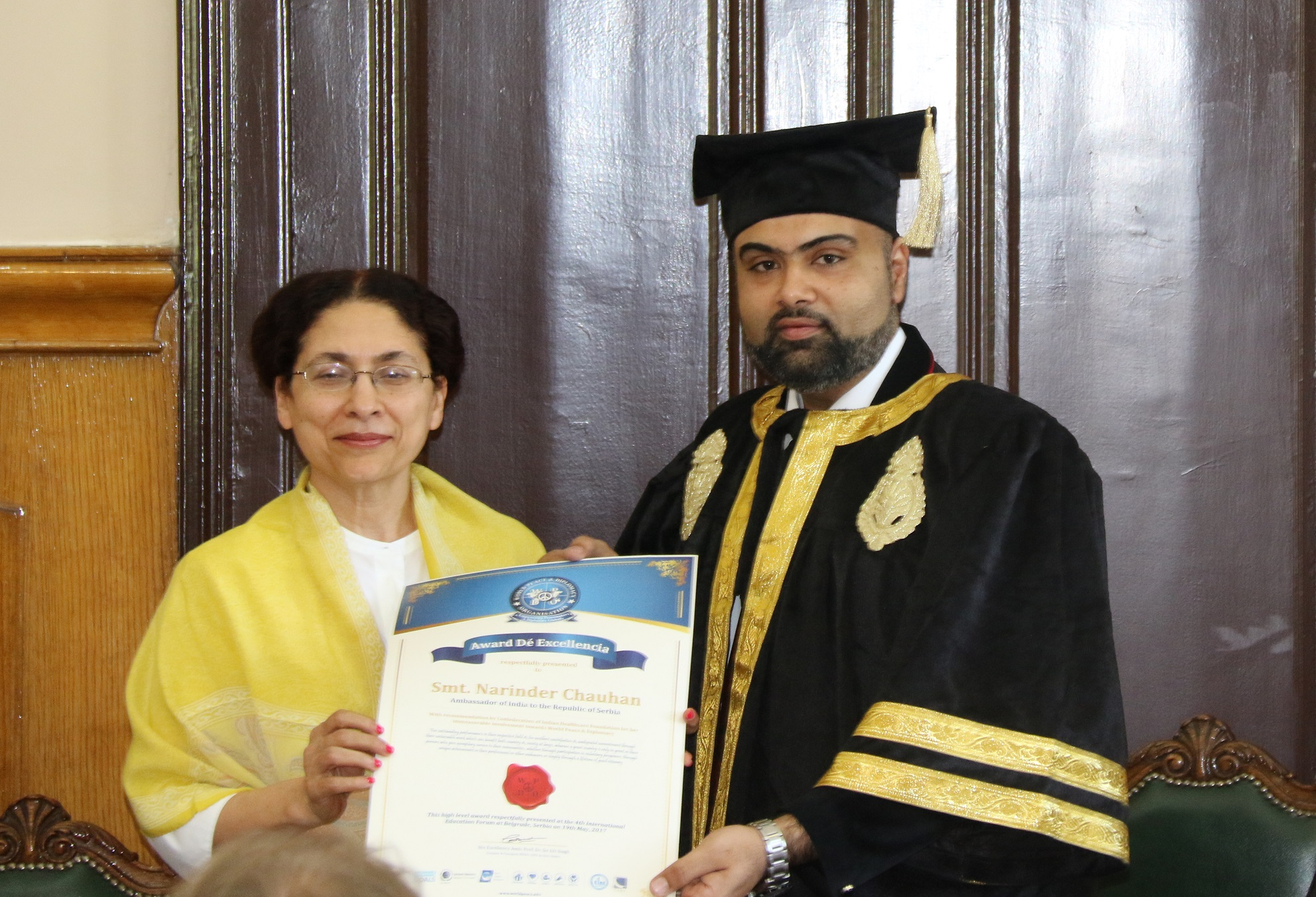 smt-narinder-chauhanambassador-of-india-in-serbia-felicitated-with-award-de-excellencia-from-wpdo-2